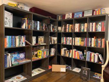 Издателите и разпространителите на книги поискаха финансова помощ, за да не фалират