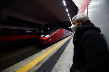 Скок с 36% на починалите от коронавируса в блокирана Италия