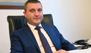 Горанов: Може да предвидим достъп до безлихвени заеми и за самоосигуряващите