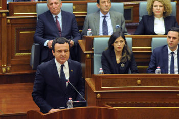 Косовското правителство стана първото, (формално) свалено заради COVID-19