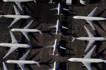 Много авиокомпании в Европа остават без средства до 2 месеца