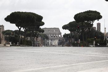 Починалите за ден в Италия намаляха, но заразените наближават 100 хил.