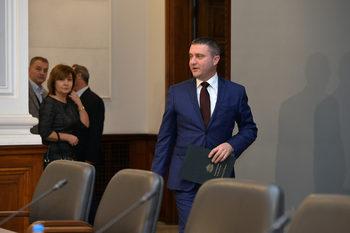 Владислав Горанов: Отворили сме вратата за почти всички бизнеси