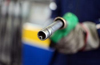 Прокуратурата възложи на антимонополната комисия пак да се заеме с пазара на горива