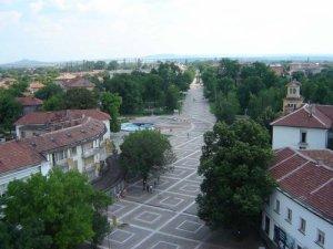 Контактните лица на жената с COVID-19 в град Левски са с отрицателни проби