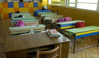 Всички учители ще получат заплатите си за времето на дистанционното обучение