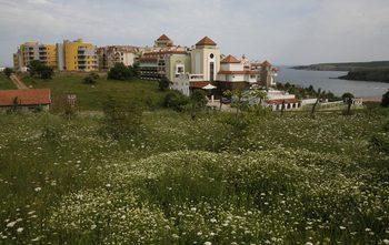 Над 1100 граждани са възразили срещу проекта за още застрояване в община Царево