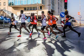 Виртуален полумаратон, или как кенийски бегачи се състезаваха, без да се срещат