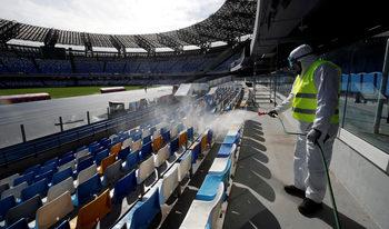 Италия планира да доиграе футболното си първенство с мачове само в Рим