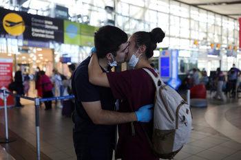 Фотогалерия: Любов по време на пандемия