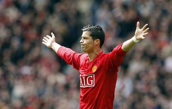 """Да моделираш Роналдо: как """"Юнайтед"""" превърна португалеца в отборен играч"""