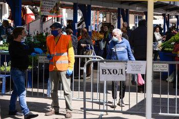 Полицията затвори Женския пазар в София заради неспазване на мерките