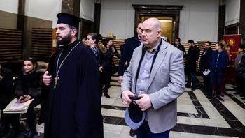 Едно наум: Иван Гешев се обяви за инструмент на Господ, който въздава правосъдие