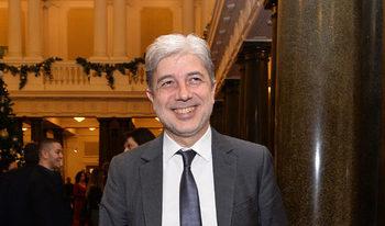"""Съдът наложи """"домашен арест"""" на бившия екоминистър Нено Димов"""