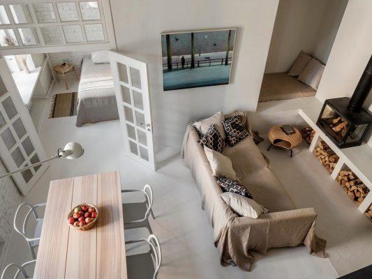 Практичен и спокоен интериор на етаж от къща в Москва [85 м²]