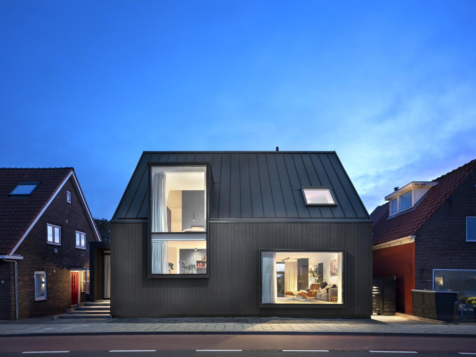 Къща в Холандия с прекрасен интериор и екстериор