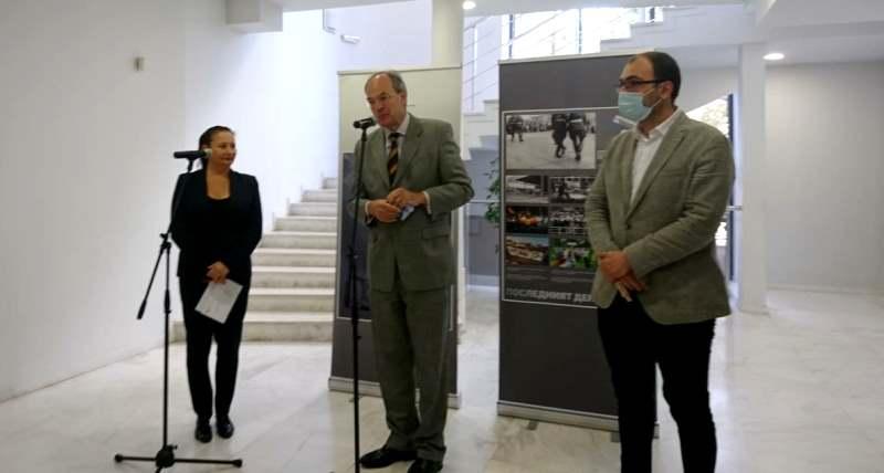 """Германският посланик Кристоф Айххорн откри в ГДК изложбата """"Преломът на Изток. Живот в преход"""""""