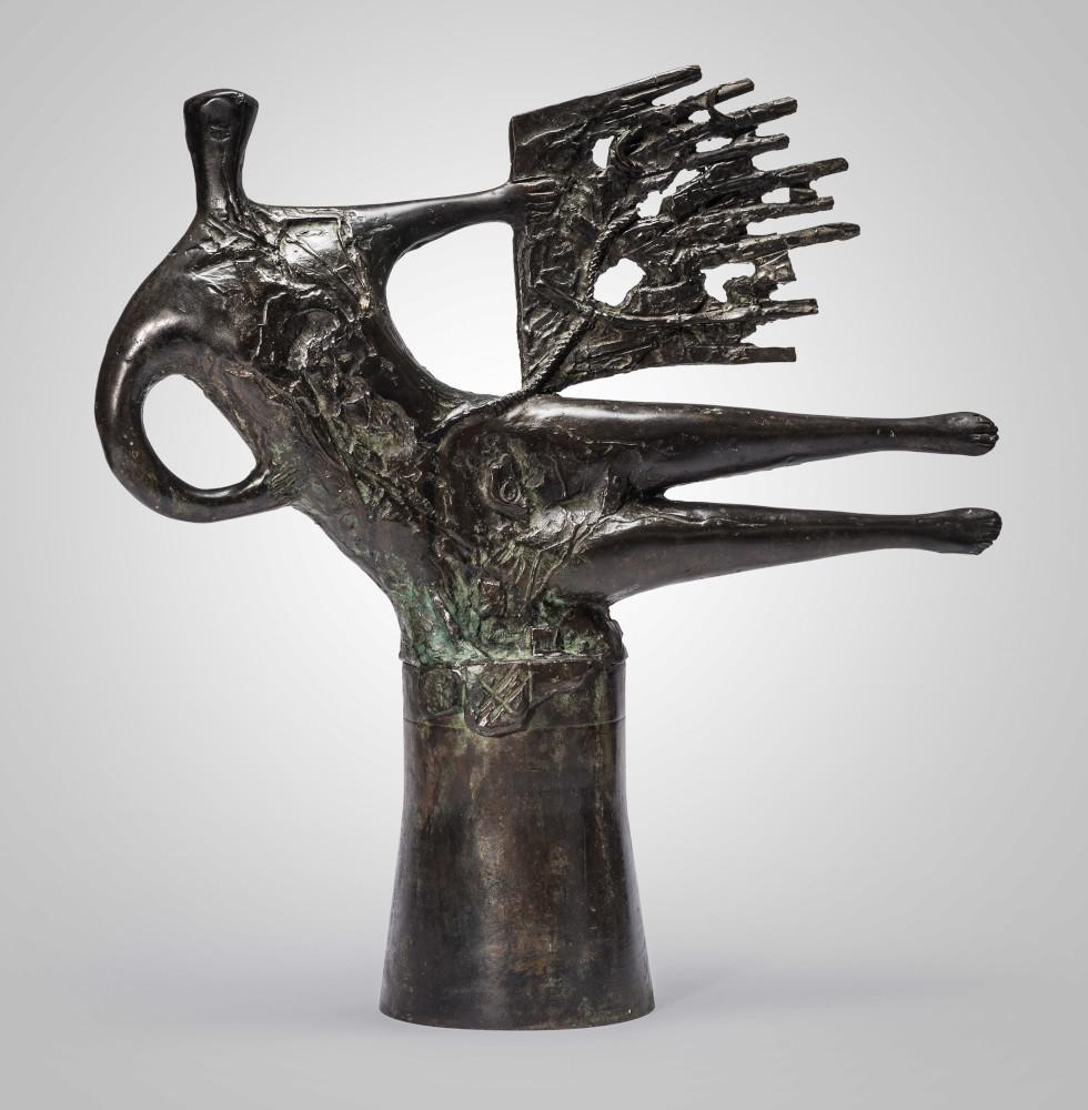 """""""Преминаващи фигури"""" – нови скулптури и платна на Христо Христов"""