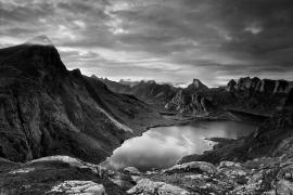 """ФотоФабрика събра архитект, фотограф и IT специалист в изложба """"Природата като убежище"""""""